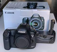 AVAILABLE FOR SALE BRAND NEW DIGITAL CAMERA