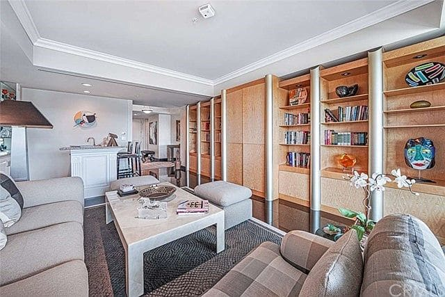 Luxury high-rise 3 bed/4 bath condo for sale on the Wilshire corridor