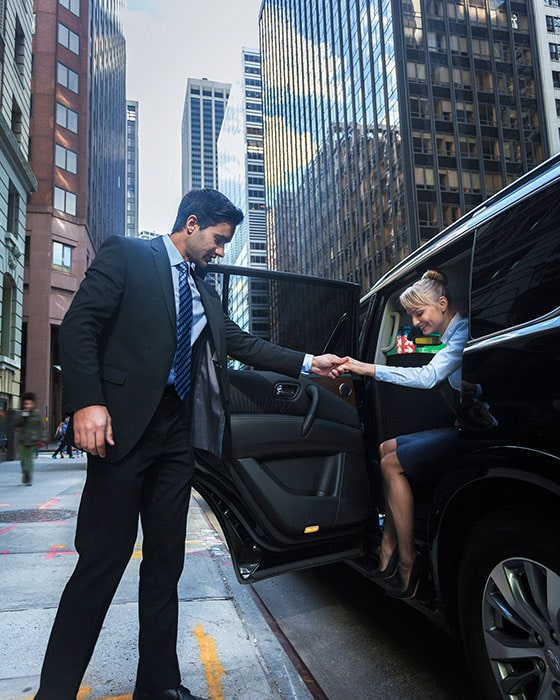 Hire Black Limousine Car Service For Airports Or Local Place In New Jersey